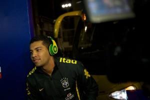 Fone_de_ouvidos_dos_jogadores_de_futebol_4