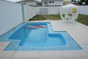 Fotos_de_modelos_de_piscinas_residenciais_18