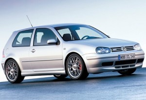 Fotos_do_Golf_Gti_com_rodas_esportivas_MKIV