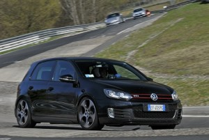 Fotos_do_Golf_Gti_com_rodas_esportivas_MKVI