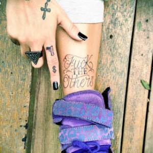 Estilo_e_tatuagens_da_Gabriela_Rippi_3