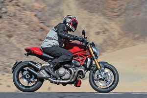 Fotos_Ducati_Monster_1200_2015_6