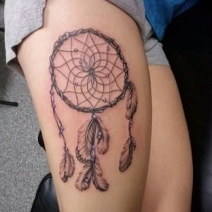 Tatuagem_feminina_na_perna_Fotos_10
