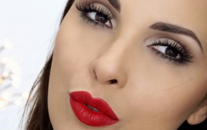 Como_fazer_maquiagem_com_batom_vermelho_capa
