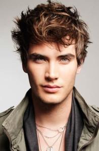15 Ideias de corte de cabelo masculino 16