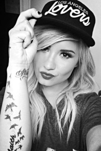 Fotos e Imagens da Cantora Demi Lovato 11