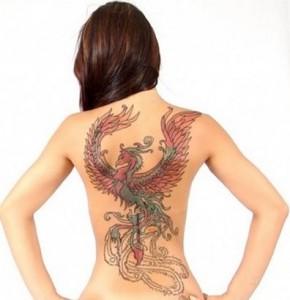 Fotos e ideias Tatuagem Feminina nas Costas 4