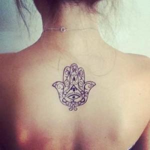 Fotos e ideias Tatuagem Feminina nas Costas 9