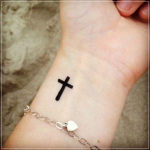 Modelos de Tatuagem Feminina no pulso 6
