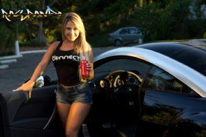 imagens de carros com mulheres 11