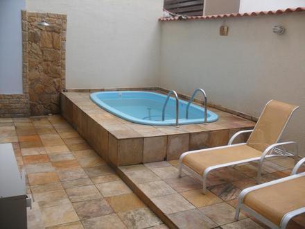 Modelos de casas pequenas com piscinas fotos for Modelos de jardines de casas pequenas